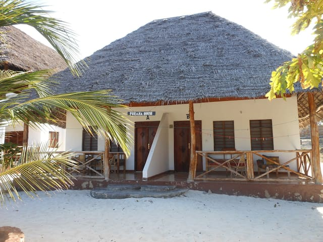 Mbuyuni  Beach Village  -Zanzibar  (room for  2)