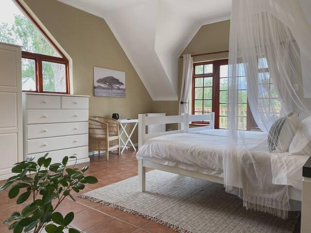 Room in beautiful farm-like setting, Gordon's Bay