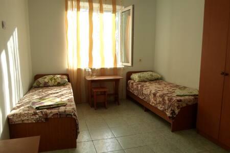 Квартира-студия для троих человек! - Apartamento