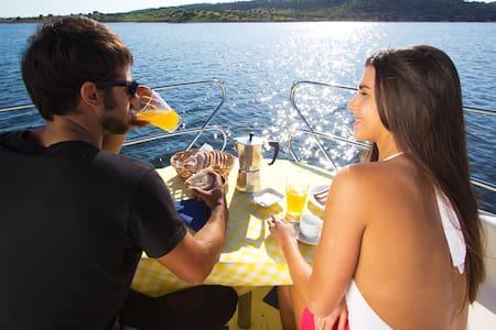 Barcos Casa Lago Alqueva - Amieira - Båd