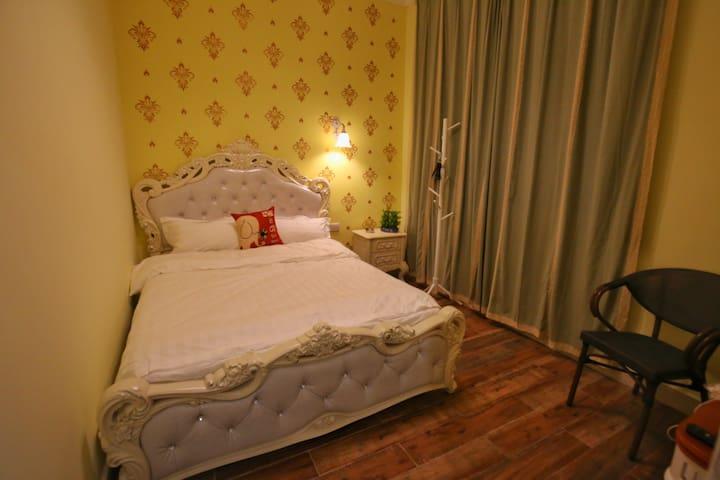 小东江附近时光印记客栈别墅欧式单床房