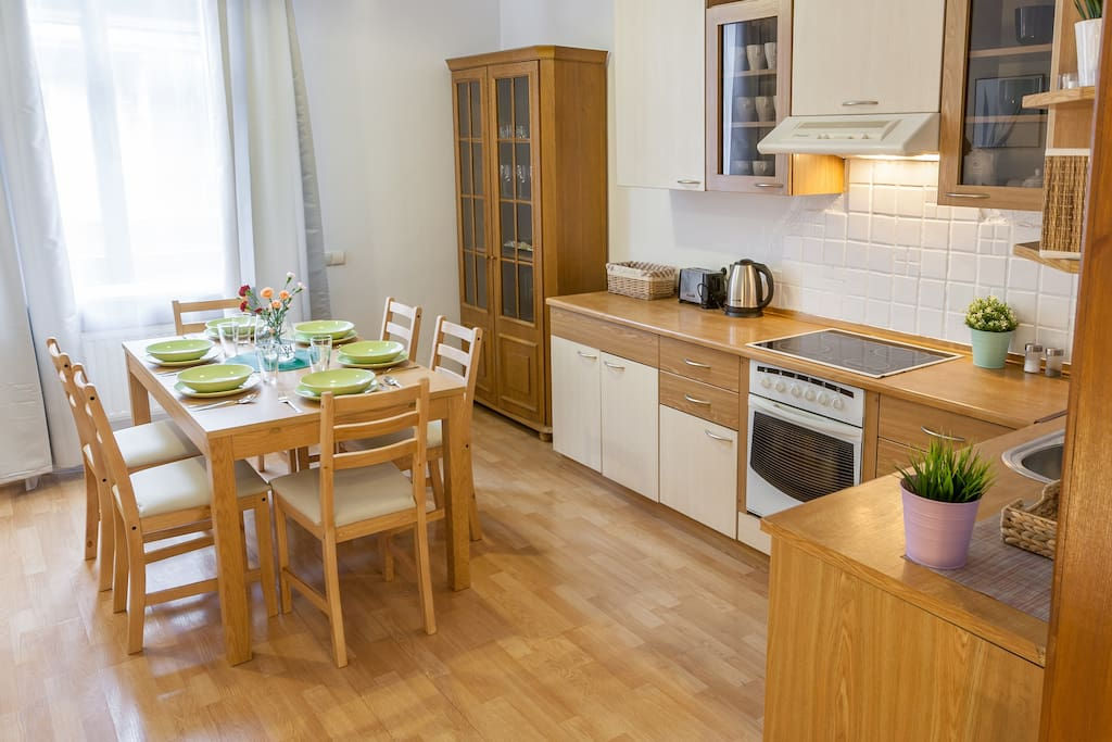 Dining area, perfect for 6 people