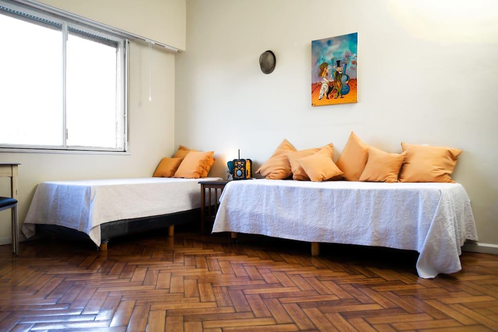 Opcion 2:dos camas separadas