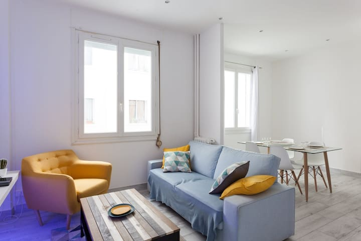 NICE MODERN APARTMENT CLOSE TO THE BEACH IN MARSEILLE - FOR 2 PEOPLE