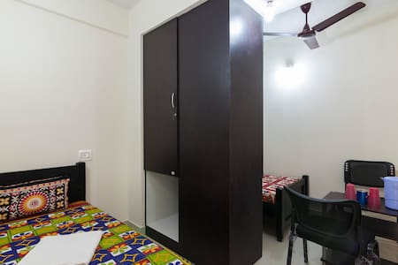 Bachelors' Stay - Kanchipuram - Hostel