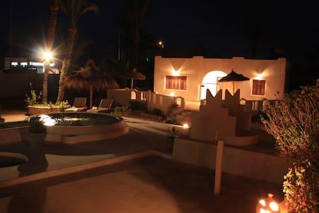 Alex Djerba - Djerba Tunisie - บ้าน