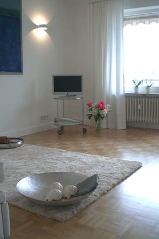 luxus ferienwohnung direkt am see wohnungen zur miete in berlingen baden w rttemberg. Black Bedroom Furniture Sets. Home Design Ideas