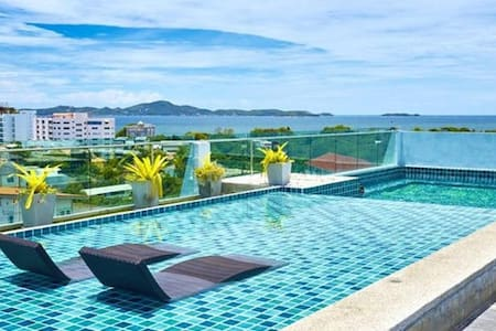 **Private Entire Suite in Majestic Location** - Muang Pattaya