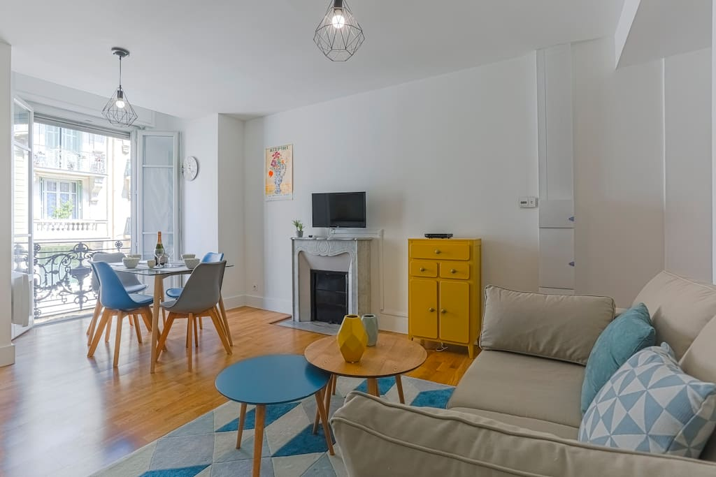 Living and dining area