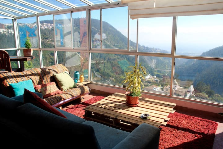 Amazing apartment in Guapulo- Private room - Quito - Lägenhet