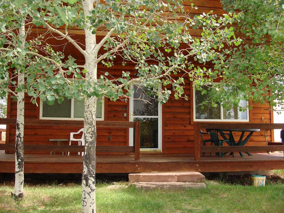 Front of Aspen Cove Cabin #2