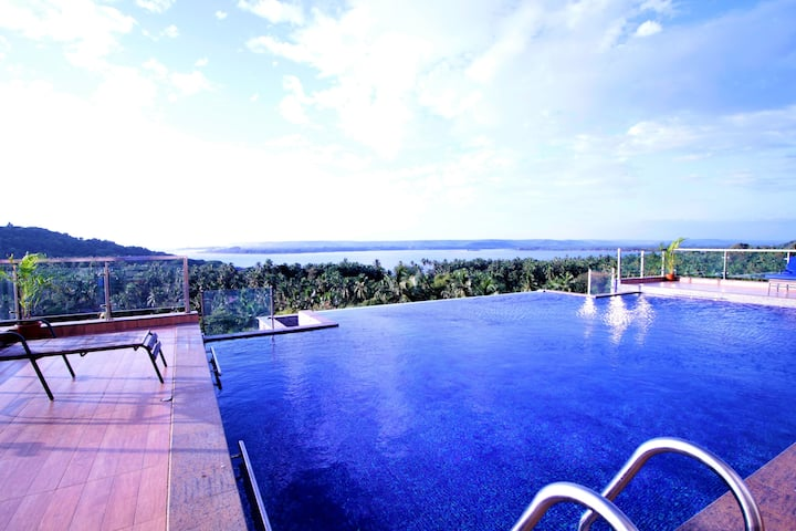 Sea View Suite | 1600 SQ.FT with Rooftop Pool