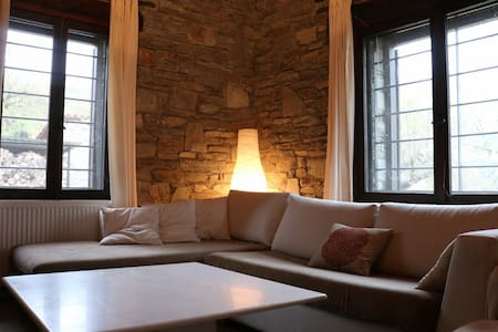 3 Farm Villas in a 40.000sq Estate - Kavala