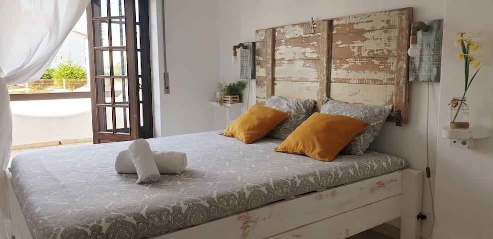 Double room with shared bathroom - Ocean Terrace