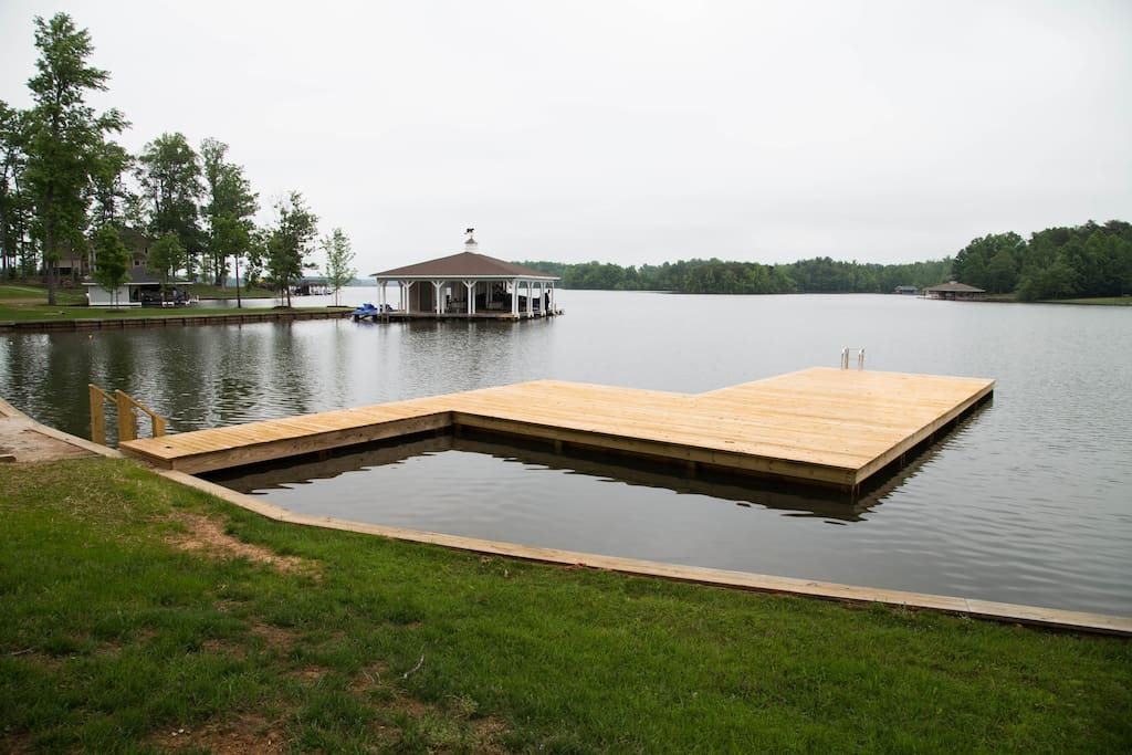 The expansive deck is perfect for sunning and/or fishing!