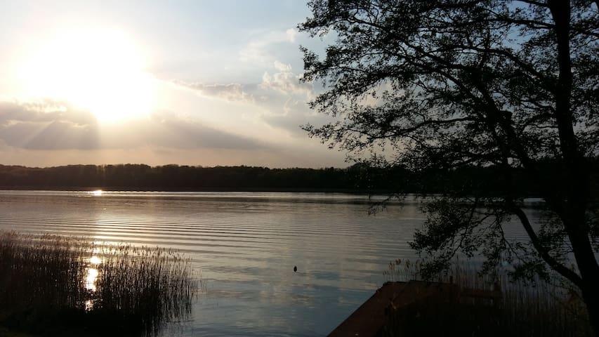 Majowy zachód słońca w Port Jeziorak