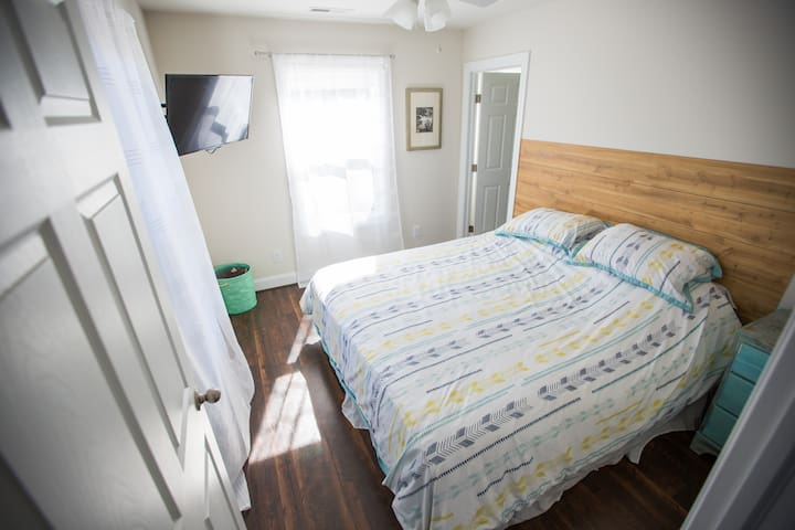 Adorable Modern Studio Apartment - Nags Head - Huoneisto