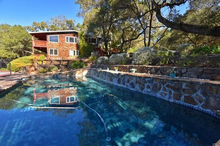 Sonoma House with Pool and Tennis Court