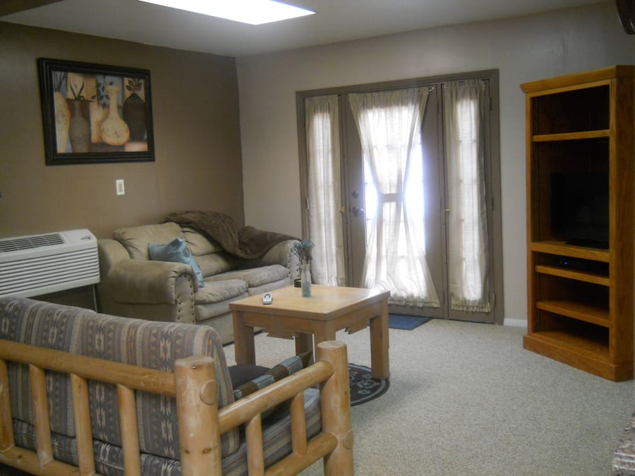 Comfortble living area with flat screen TV
