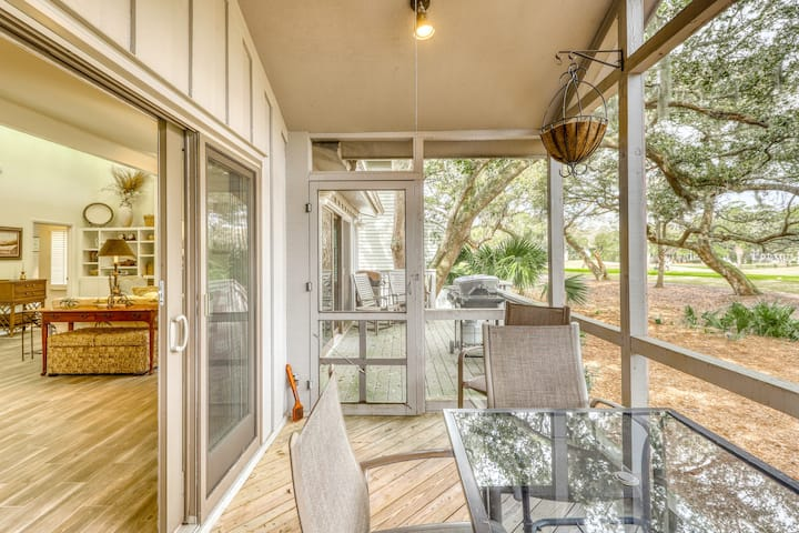 Golf course-front home w/ deck, porch & lagoon view - 1 block to beach, 1 dog OK