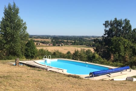 Secluded cottage, pool, great views 600 m to Duras
