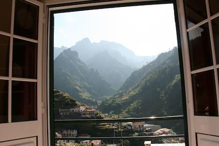 Mountian View Dbl En Suite for 2 - Serra De Agua