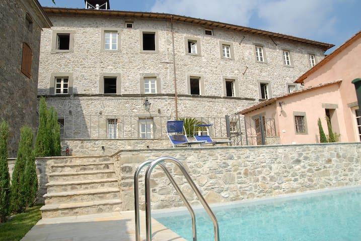 Beautiful Palazzo Giusti from 1567 - Pescaglia - Villa