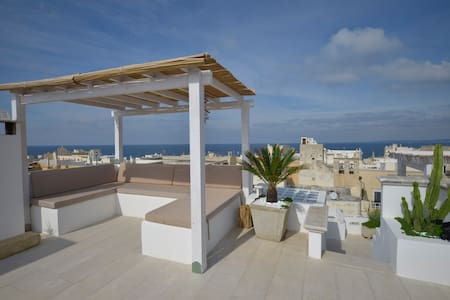★Historic Penthouse, Roof Terrace, Stunning Views★