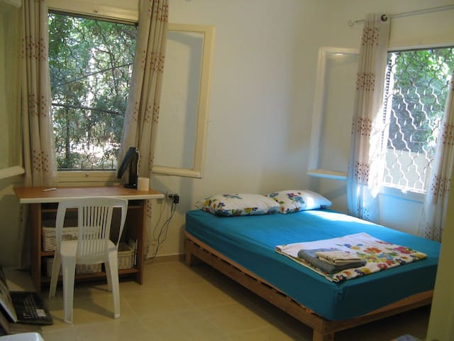 A room in the Best location in Tel Aviv