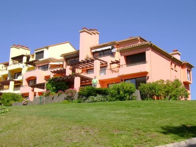 Gran Depto. vista al mar, piscina, cancha golf. - Quintay - Wohnung