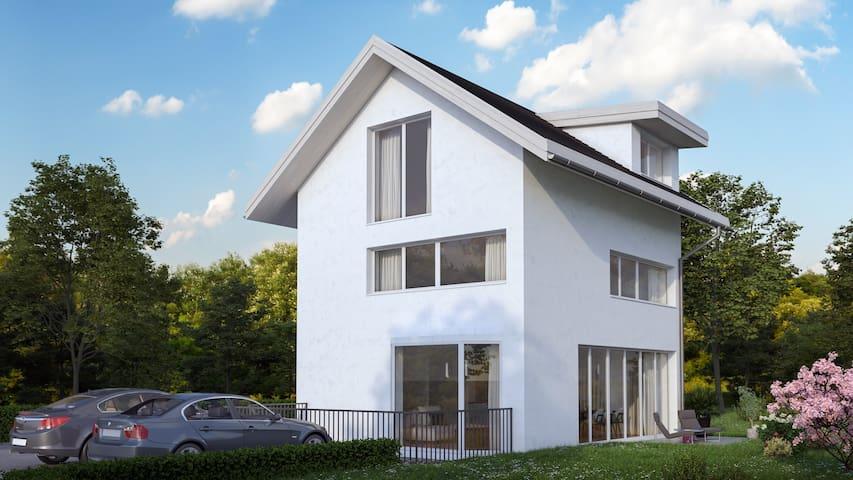 zentral aber ruhig gelegen - neu gebautes Haus