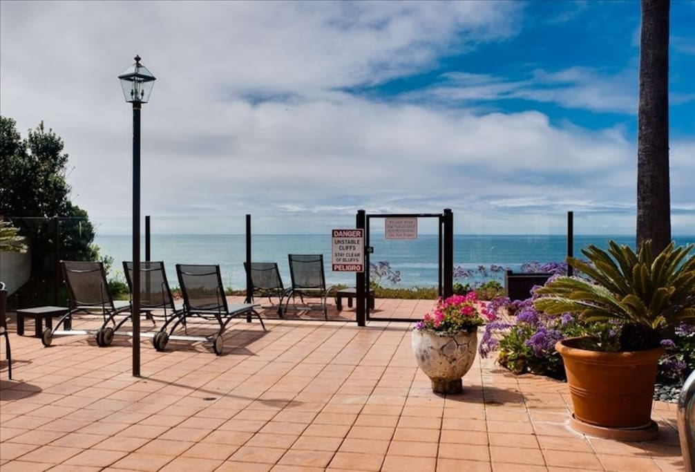 Ocean front pool and spa deck