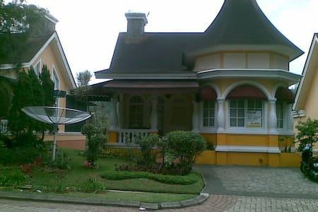 Villa for Rent - Cisarua