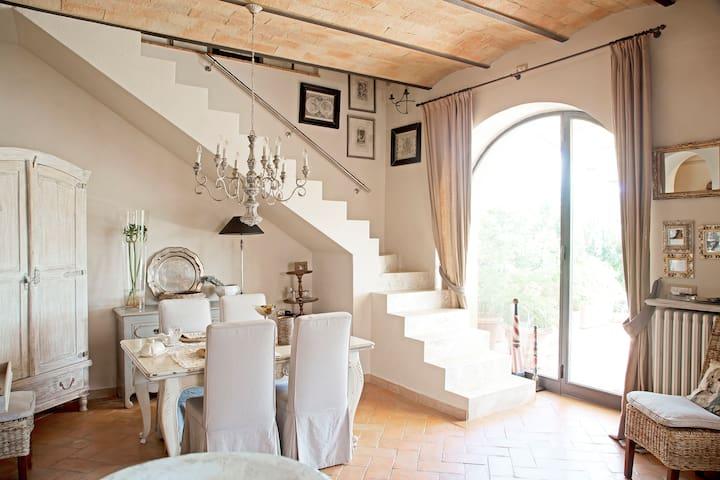 Corner of Provence B & B in Chianti - Tavarnelle Val di Pesa - 家庭式旅館