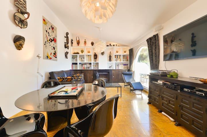 Large Living room (Vue du grand living room)