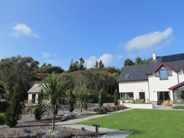 Romantic Hideaway. Pool and Beaches - Ballyrisode - Daire