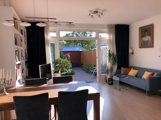 Friendly house with garden in Amsterdam
