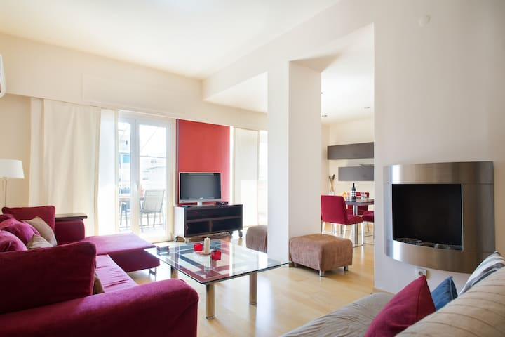 Spacious apartment, big balcony with view. Center