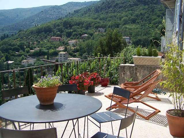 charming apartment in Carros - Carros - Leilighet