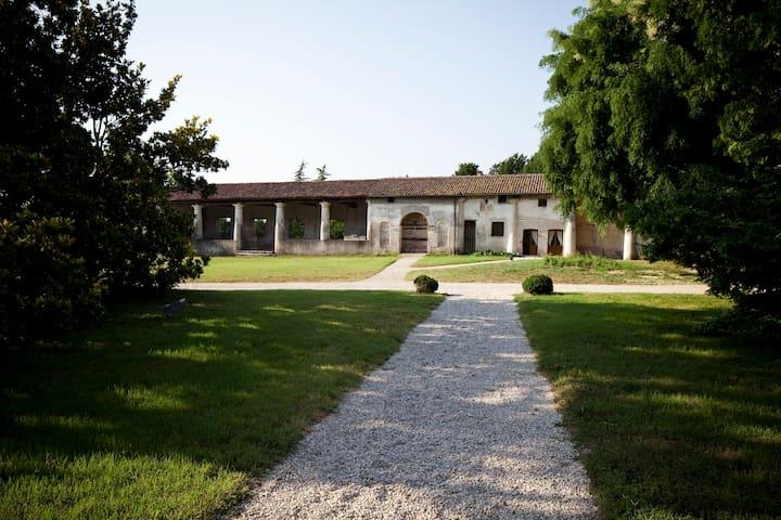 Essenza/ Villa Sesso Schiavo  - Sandrigo - Talo