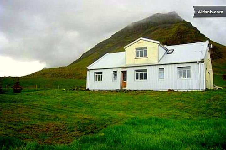 Guesthouse Saebol 1, a unique place in Westfjords