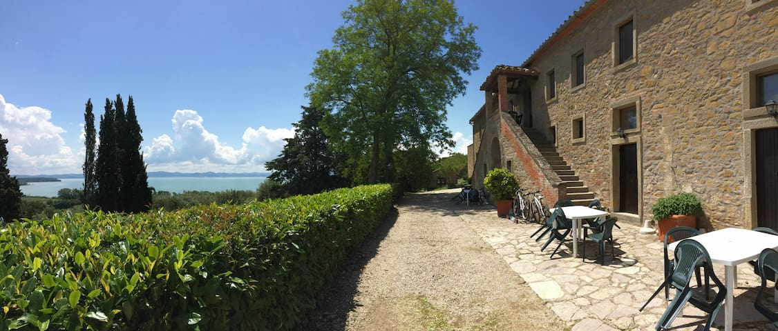 A window over the Trasimeno Lake - Tuoro sul Trasimeno - Apartament
