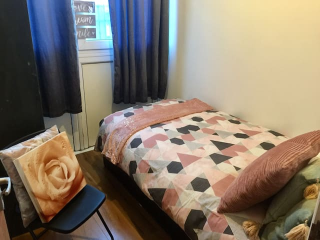 Cosy room- Great location, Stepney E1, Tube (4)