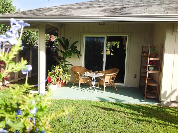 Private Garden Studio with Ocean Views in Na'alehu
