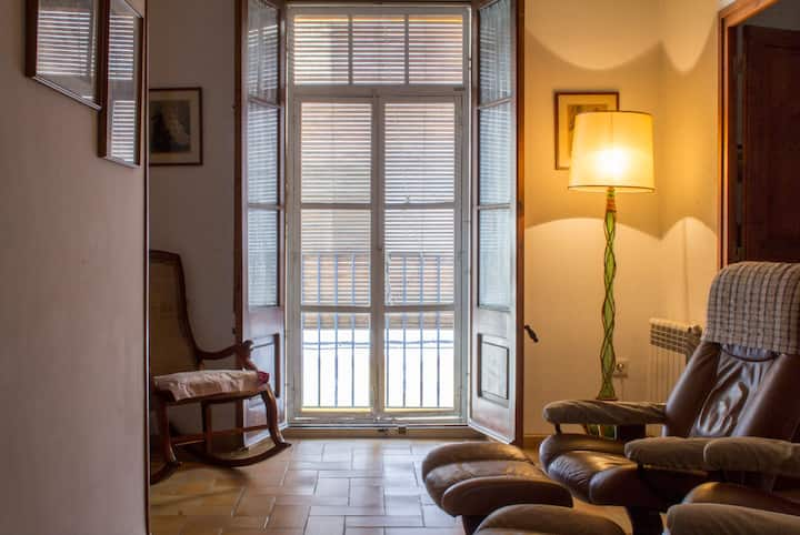 Catalan rustic house in old town  - HUTB-017685