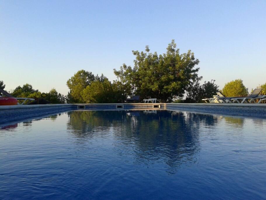 Casa rural con piscina exterior a 5km de la playa de barcelona, sitges y vilanova