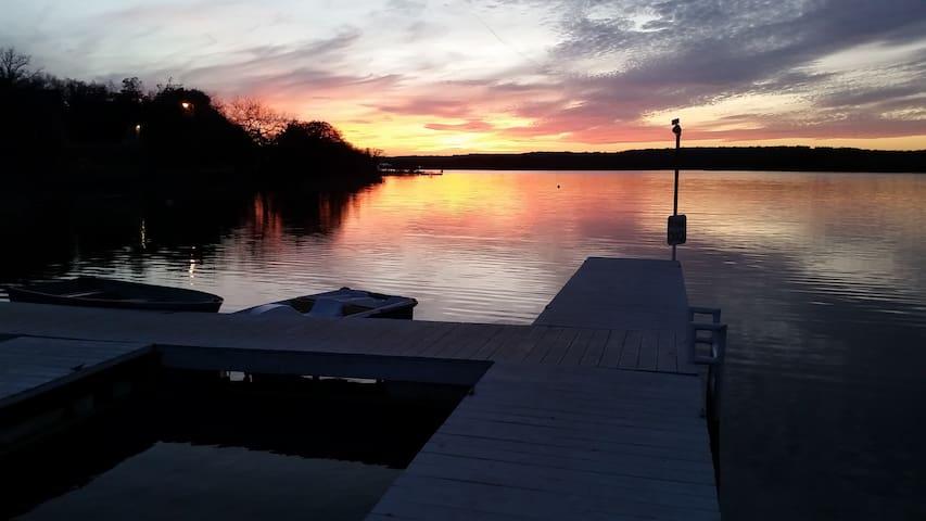 The Captain's Camper @ Lake Cisco Rentals - Cisco - Wohnwagen/Wohnmobil