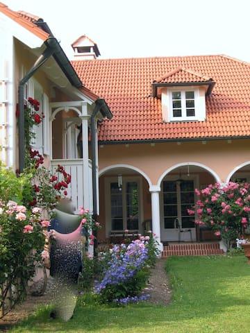 super Übernachtung-schönes Ambiente - Starnberg - Prázdninový dům