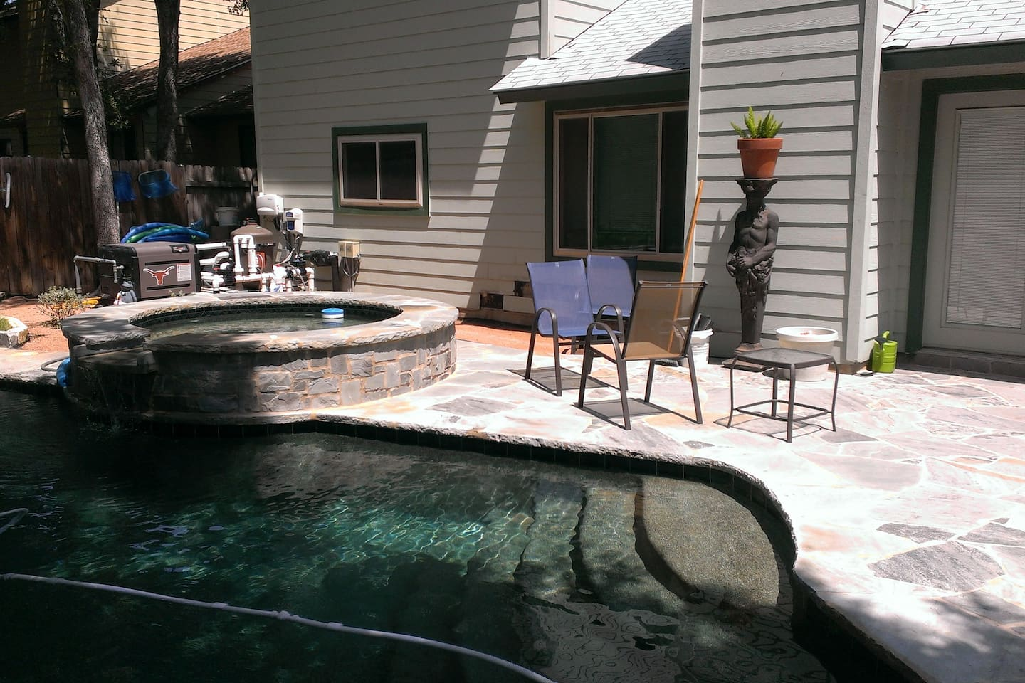 Pool and hot tub in the back yard