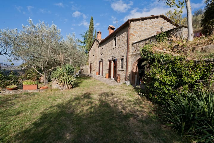 Lovely farmhaus in splendid Tuscany - Cortona - Apartment